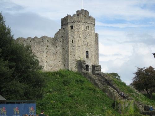 5 Cardiff - Castle